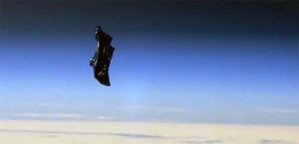 black-knight-satellite-4f3c59c0